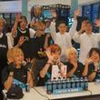 大人気踊り手ユニット「ギルティ†ハーツ」も挑戦! 世界初公開「パワーエイド」の全面LED自販機が超クール