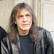 AC/DC脱退は「認知症」のため、マルコム・ヤングの家族が正式発表。