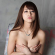 セクシーアイドル吉沢明歩、ソロデビュー曲「大人の片想い。」のMVが「BeeTV」「dビデオ」の2冠初体験