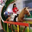 日本ダービーの名馬に乗ろう! 渋谷駅でウオッカ&オルフェーヴルの騎乗体験イベント
