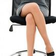 ミニスカートの女性が脚を組みかえる瞬間、男性はどう思っている?