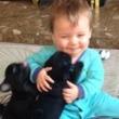【モフモフ動画】2匹のパグに挟まれる赤ちゃんに癒される!