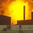 【ルーマニア】サッカーの試合中に近隣のパン工場が大爆発!