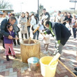 那須高原SAと佐野SAで元旦に餅つき大会を開催