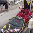 【恒例】沖縄の成人式であらわれたDQNカー! 警官が怒りのキック
