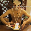 """変態仮面が変態仮""""麺""""食べる、レポ動画に「なにやってんだよwww」。"""