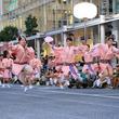 迫力満点の阿波踊りで武蔵小金井駅周辺が大熱狂