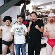 ケンコバ&ザコシが緊縛で「キン肉マン」の必殺技に挑戦、週プレ袋とじに