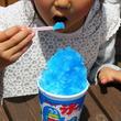 かき氷の青いシロップはなぜブルーハワイと呼ぶのか?