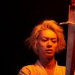 菅田将暉、たいまつを片手に華麗な舞い!