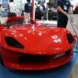 国内屈指のレースコンストラクターと共同開発の3輪EVは最高速度120km/hの軽オープン2シーター