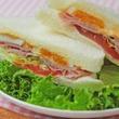 クレイジー…  富山のコンビニにあったサンドイッチが何でもありの世界だった!