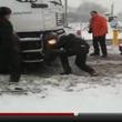 【動画】驚愕!インプレッサが大型トレーラーを救出しちゃう動画【インプレッサ生誕20周年記念特集】