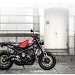 ヤマハのロードスポーツモデル「XSR900 ABS」に新色の鮮やかなレッドが登場