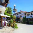 古い屋敷や教会が点在する、沖縄の離島っぽいブルガリアの伝統的な村・アルバナシ