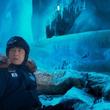 氷の洞窟での超絶アクションはどこかコミカル?ジャッキー最新作に謎のイケメントレジャー・ハンターが参戦