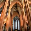 神聖ローマ皇帝の戴冠式が行われたフランクフルト大聖堂で、ドイツの歴史に触れる
