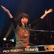 平松愛理、阪神淡路大震災復興イベント「KOBEMEETING」で熱唱