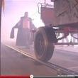 驚愕! チクビで1tの台車を引っ張るギネス世界記録【動画】