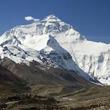 「登山経験ないけどエベレストに登りたい!」 そんな初級者も参加できるエベレストツアーが735万円!(※)