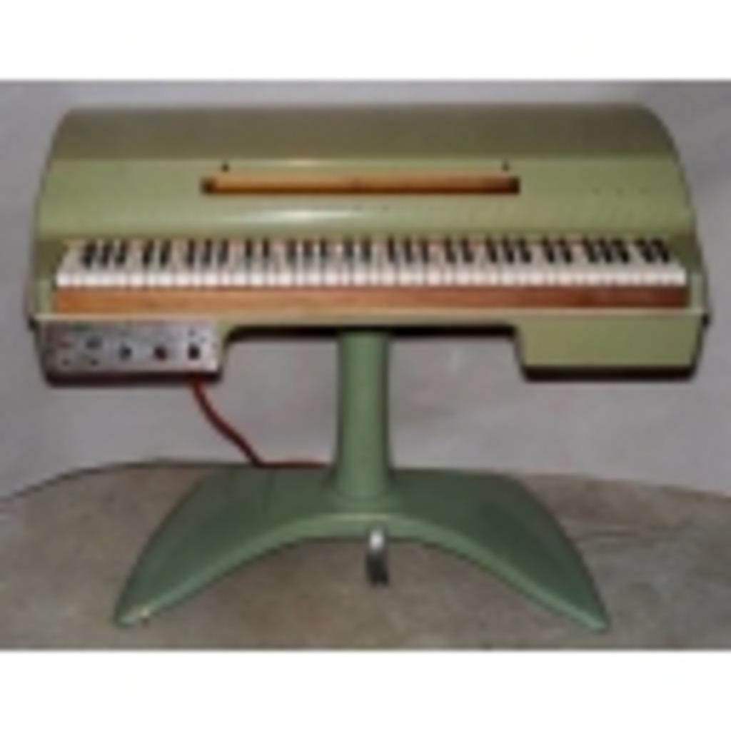 自由にピアノ、キーボードを弾くだけ