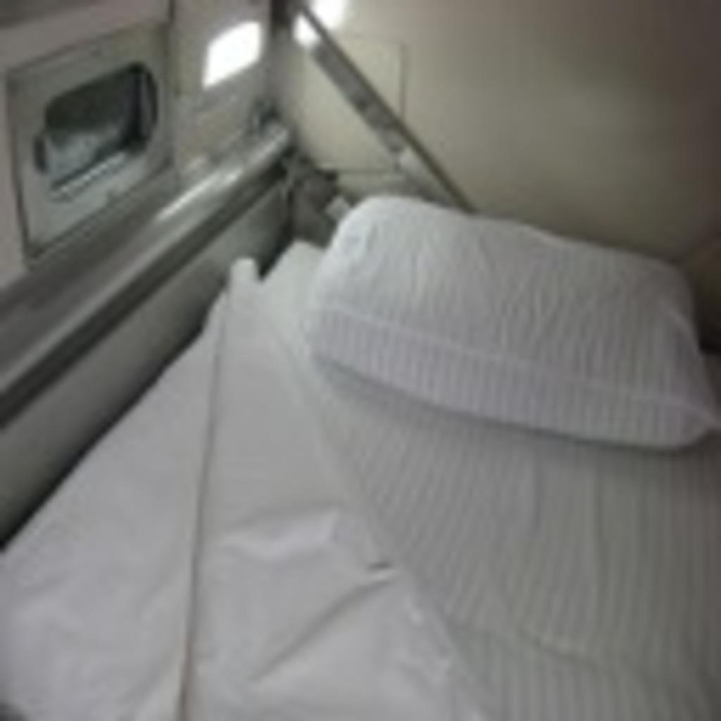 寝台特急日本海12号車A寝台10番上段