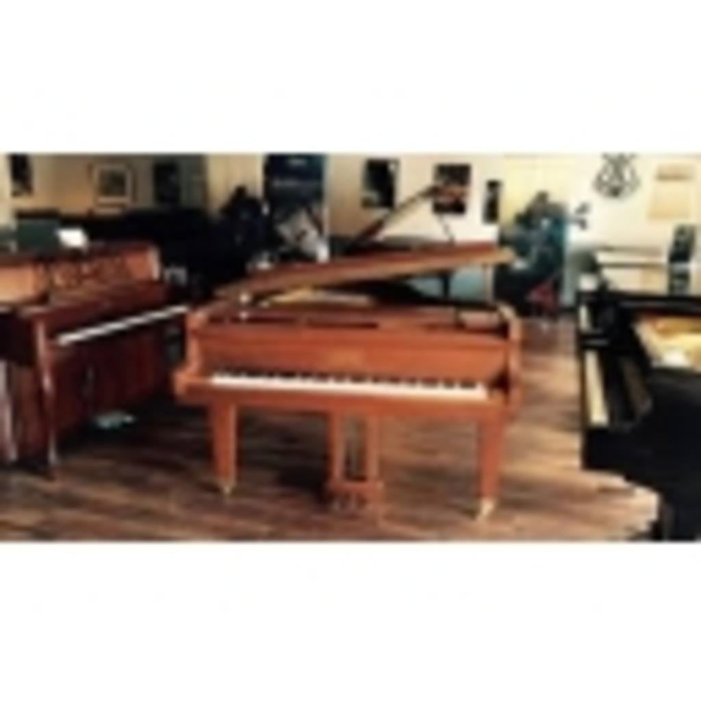 ピアノを弾いてみる