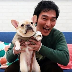 愛犬と笑顔の草彅剛