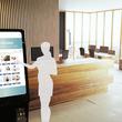 スマートミラーが「会社の顔」になる!?ジーエルシーが日本初のスマートミラーで使える来客受付システムを開発