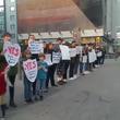 【動画】アメリカのコリアンタウンにホームレスシェルター建設 それに対して在米韓国人がデモを行うもデモに対するデモが起きる