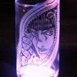 『ジョジョ』ブチャラティをグラスに彫ってみた 紫に浮かび上がる妖しげな表情は「ディ・モールトよしッ!」なクオリティ