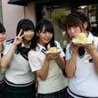 "SKE48・山内鈴蘭&上村亜柚香が""わらしべ長者""企画で巨乳美女捜し!?"
