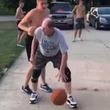 【スポ魂マンガで見たやつやん】一見普通のおじさんがバスケで若者を蹴散らす!