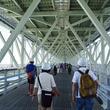 世界最長の吊り橋「明石海峡大橋」の管理用通路を歩くツアー 参加条件に「2時間トイレ我慢できる方」