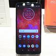 Motorola,ミドルクラス市場向け新型スマートフォン「moto z3 Play」を10月13日国内発売。6インチ級で約156gの軽さが魅力