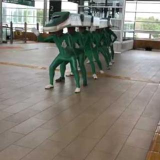 新幹線「はやぶさ」のコスプレ