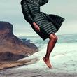 マックスマーラのダウンコートコレクションに10周年を記念した限定モデルが登場