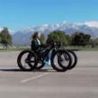 愛しい彼女の為に電動自転車を2台使って作った電動車椅子のクオリティがすごい