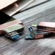 端末間のデータ移動には3端子対応のUSBメモリが便利です