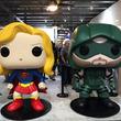 バットマン・スーパーマン巨大フィギュア展示、AYAのトークショーも「DCコミックス 海外ドラマ スペシャルウィーク!」開催
