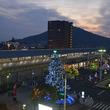 巨大なクリスマスツリーが出現!香川県坂出市「2018さかいで光輝里フェスティバル」