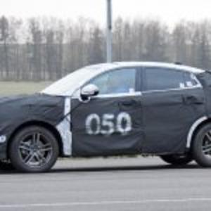 ロータス初SUVの基盤モデルか? ...