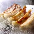 京都の名店「マルシン飯店」の餃子が東京でも食べられる!「鉄板酒場 鐵一」で本場の味をそのままアツアツで!