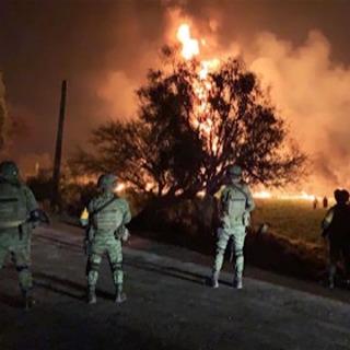 パイプライン火災、20人死亡