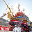 「クイーン芦ノ湖」進水! 水戸岡デザイン新型海賊船、箱根に登場 「バーサ」は引退へ