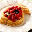 エイプリールフールの新定番!魚形のパイでフランス流に楽しもう!「ポワソン ダブリル フレーズ ~苺のパイ~」