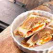 キッチン用品メーカーi-WANO(岩野)が、本気で作った!フチがくっつき耳カリカリの「ホットサンドメーカー」を本気でリリース!!