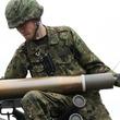 戦車の砲弾、射撃後の空薬莢はどう処理するの? 狭い砲塔、溜まる薬莢、しかも熱い!