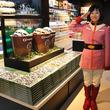 大阪市内初出店の「ガンダムカフェ」はガンダムの世界観たっぷり!大阪弁バージョンのグッズも販売