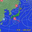 二つの低気圧に挟まれる日本列島